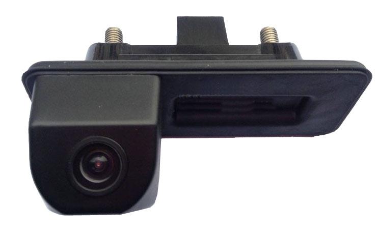 Kamera formát PAL/NTSC do vozu AUDI A1/Škoda Fabia 2012-15 v madle kufru
